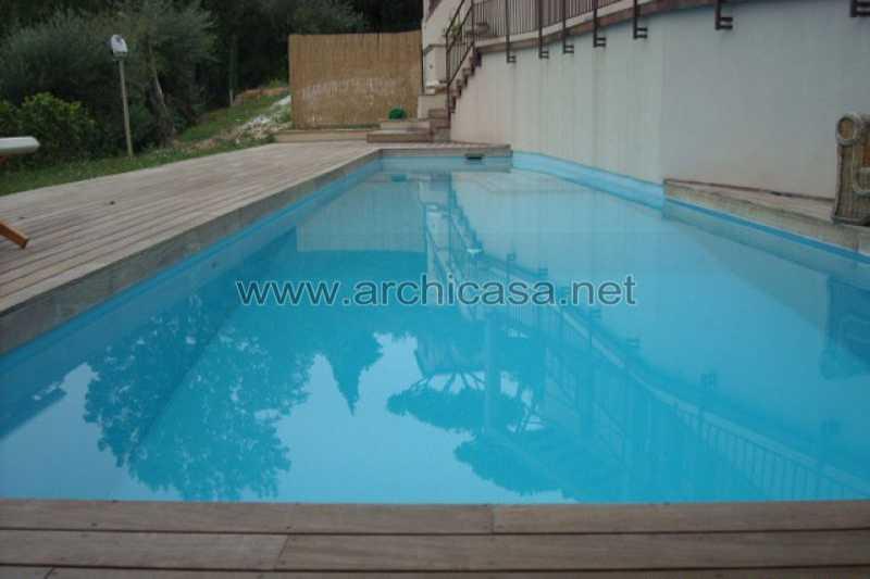 Villa singola vendita in collina di camaiore 043c for Piani di serra in collina
